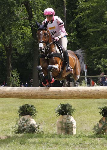 Lucinda Fredericks AUS Flying Finish Jump 5 ICE-VIBE Oxer, Luhmühlen 2014