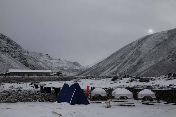 Morning after snow, Dingboche